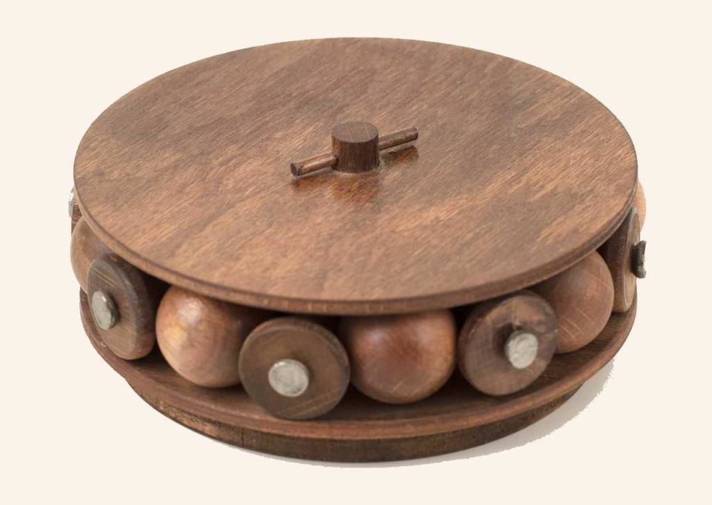 "Model of Leonardo's ""ball bearing"", built by Andrea Neri."
