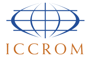 Logo ICCROM (International Centre for the Study of the Preservation and Restoration of Cultural Property).
